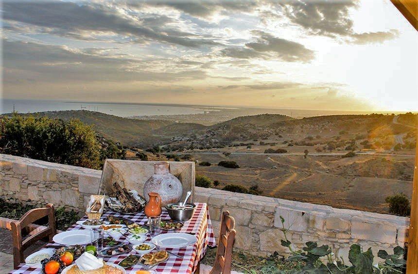 13 υπέροχες ταβέρνες με μαγευτική θέα στη Λεμεσό!