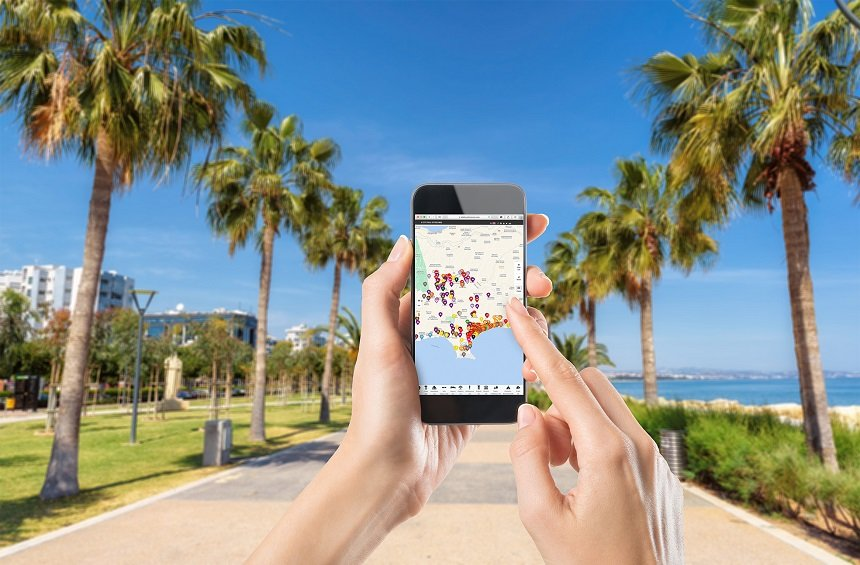 An interactive map leads the way to everything that is worth knowing in Limassol!