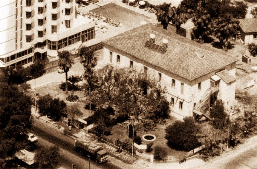 Το πρώτο ξενοδοχείο της Λεμεσού που έγινε νοσοκομείο, πτωχοκομείο, τελεφερίκ και τελικά πάρκινγκ!