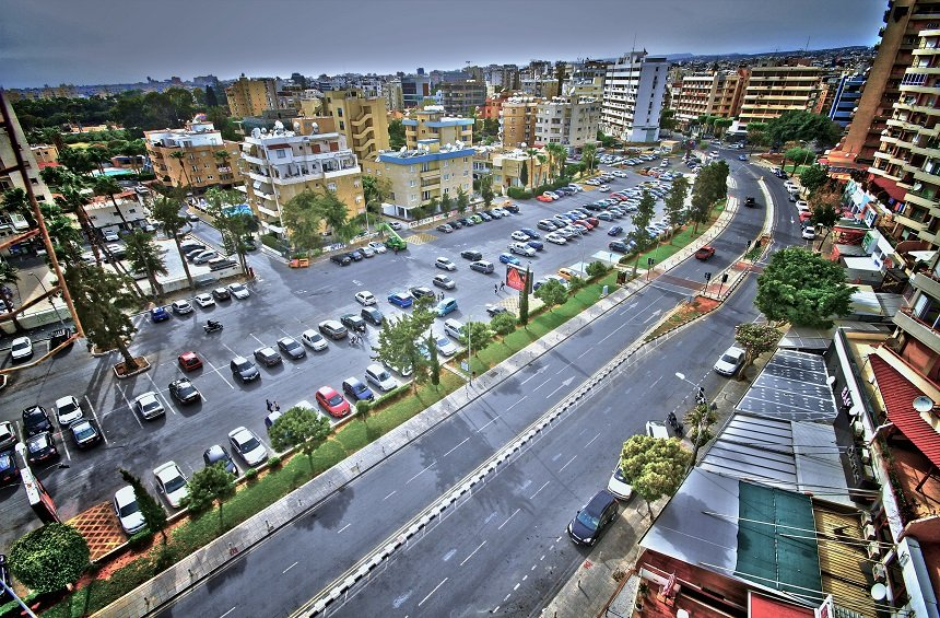 Υπερυψωμένη πλατεία, υπόγειο parking και ξενοδοχείο στον Εναέριο Λεμεσού;