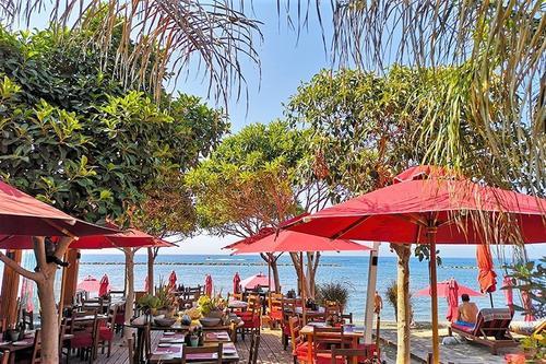Παραλία Αγίου Τύχωνα (Plus Sea)
