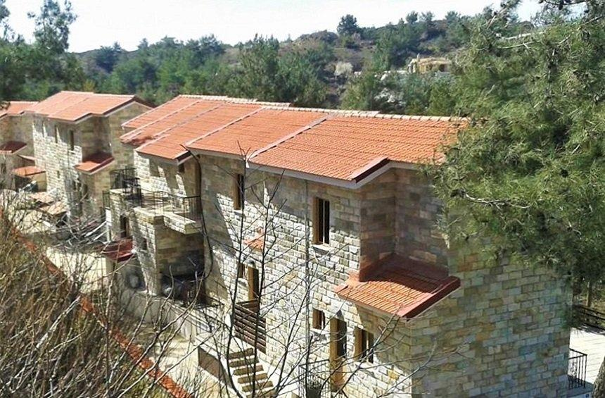 K.H.G. Stone Wood Cottages (Κάτω Πλάτρες)