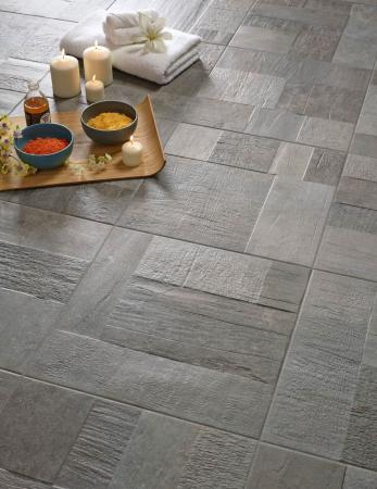 Vulcano Gris 44x44. Porcelain floor tile in grey color and mat finish. Suitable for exterior spaces