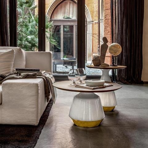 Elegant coffee table for every home! Side or coffee table with structure in ceramic, available in several finishes.