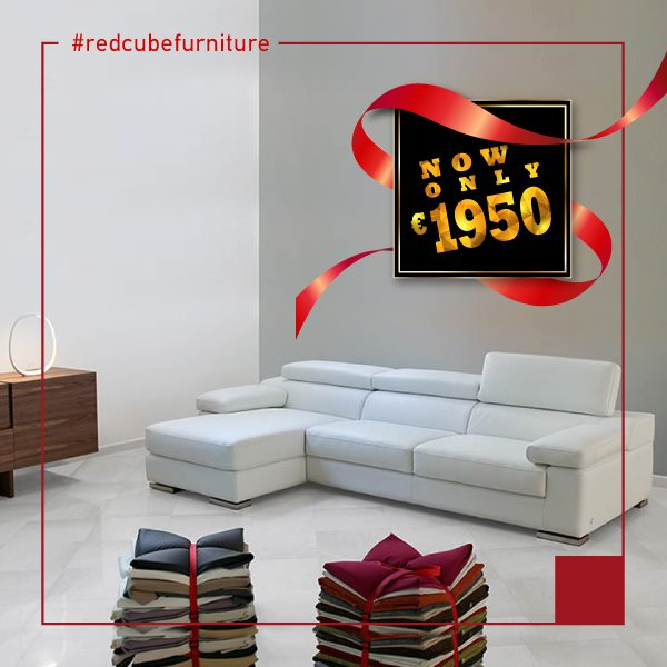 Big Summer Sale!!! Comfortable and chic sofa, made in Italy, now only €1.950!!! Dimensions 292x162cm