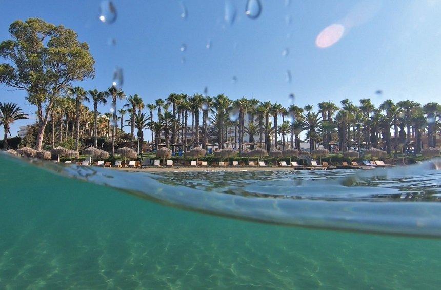 Παραλία Παρεκκλησιά (GrandResort)