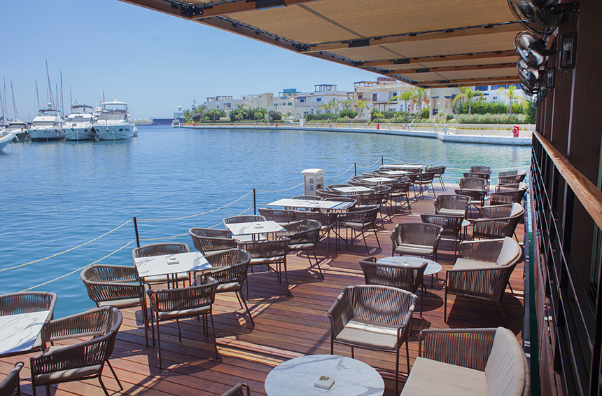 Marina Breeze: The lounge bar that feels like you're floating on a boat!