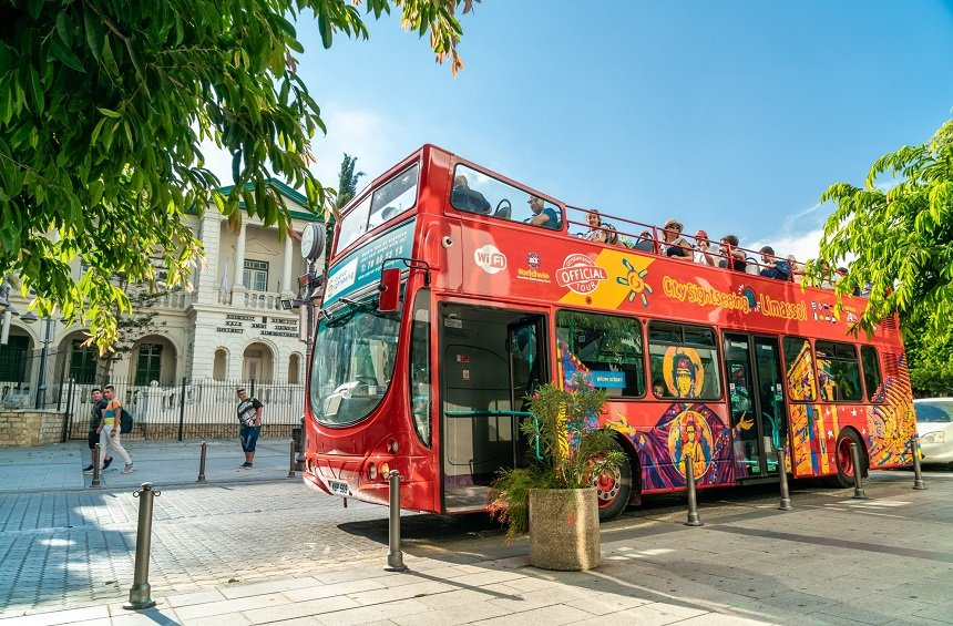 PHOTOS + VIDEO: An open-roof, red bus has began its tours in Limassol!