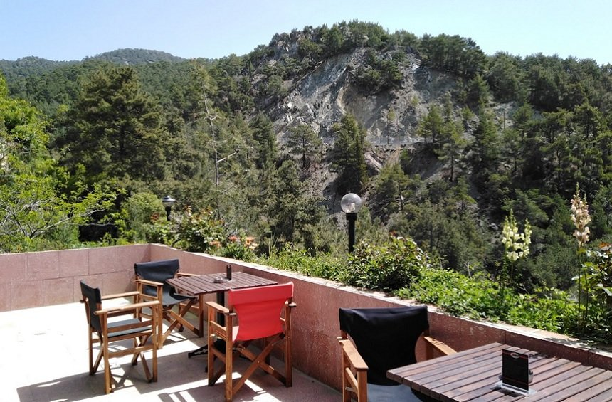 OPENING: A new hangout in the Limassol mountains with a wonderful view of the pine forest!