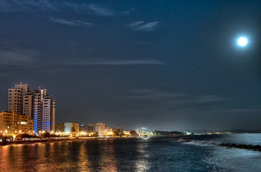 3 enchanting events for the August full moon in Limassol!