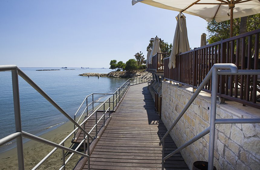 PHOTOS: A new, coastal pedestrian walkway is set to upgrade the image of the Limassol tourist area!