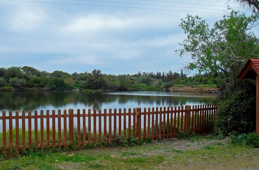 Δεσποτική Λίμνη (Ακρωτήρι)