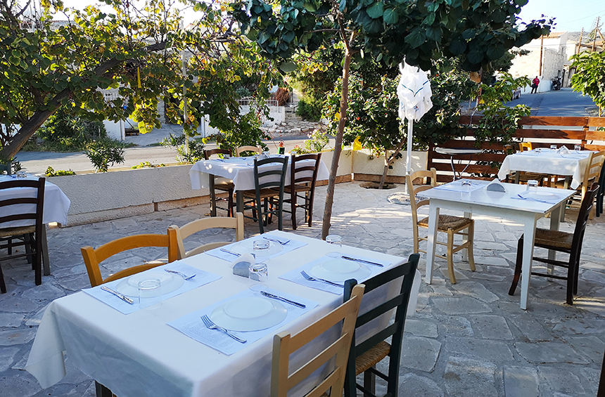 'I Folia tou Drakou:' A little tavern 20 minutes from Limassol, with a breezy courtyard and delicious kleftiko!