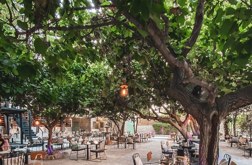 22 beautiful courtyards for delightful moments in the Limassol city!