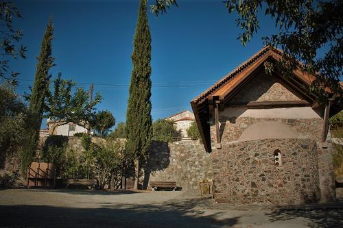 Agios Mamas church (Louvaras)