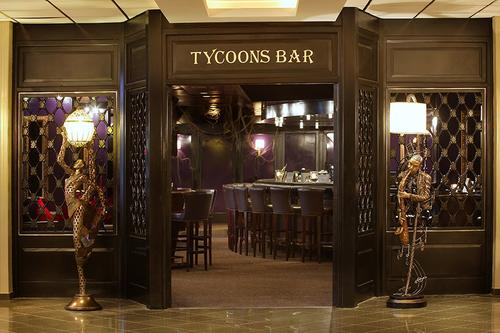 Ethnic Lounge & Tycoons Bar - GrandResort Hotel
