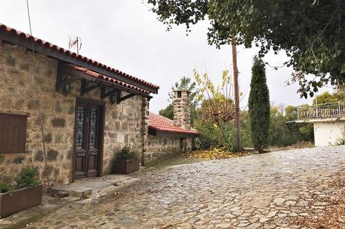 Footpaths in Old Platres