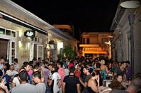 Saripolou Square: Nightlife hangouts under the name of a distinguished lawyer