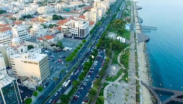 Free buses to the Old Port and a new parking lot at the Limassol city center!
