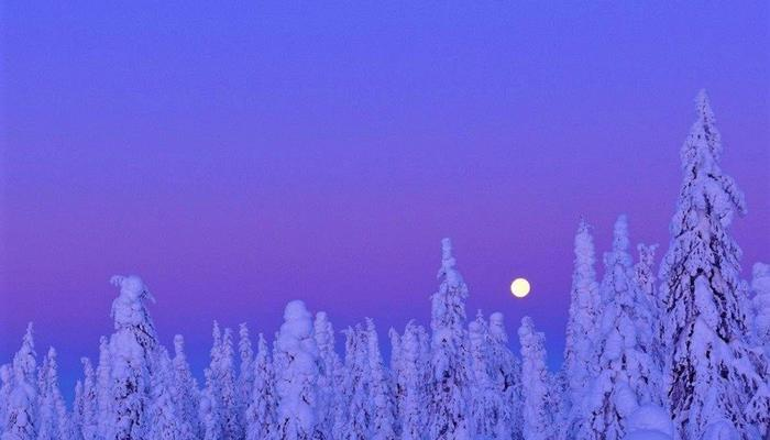 VIDEO: The full moon rose in a purple sky at the snowy Troodos