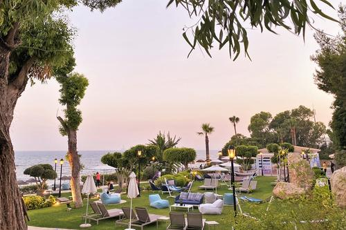 Sands Beach Club: A summer beach bar and restaurant in Limassol!