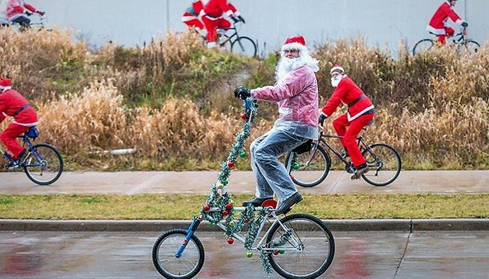 Santas in Limassol don't need Rudolf – they ride bikes!