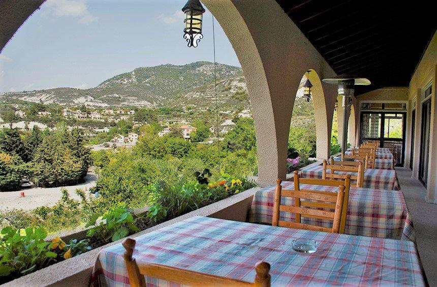 JR Restaurant: A Limassol gem that is a feast for the eyes and stomach!
