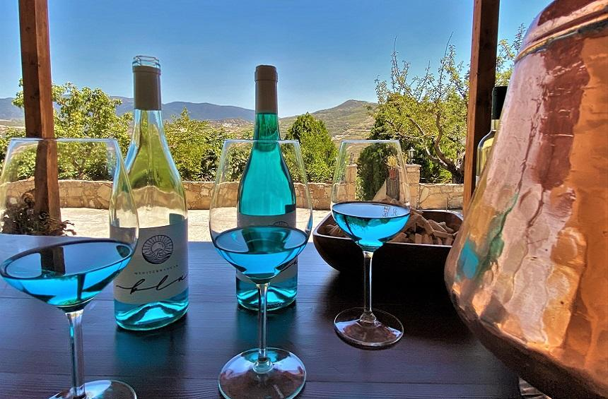 Blue wine: An innovation that's changing the course of the tradition of wine!