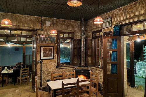 Ntaraveri Meze House: A hangout for fans of meze from Cyprus to… Spain!