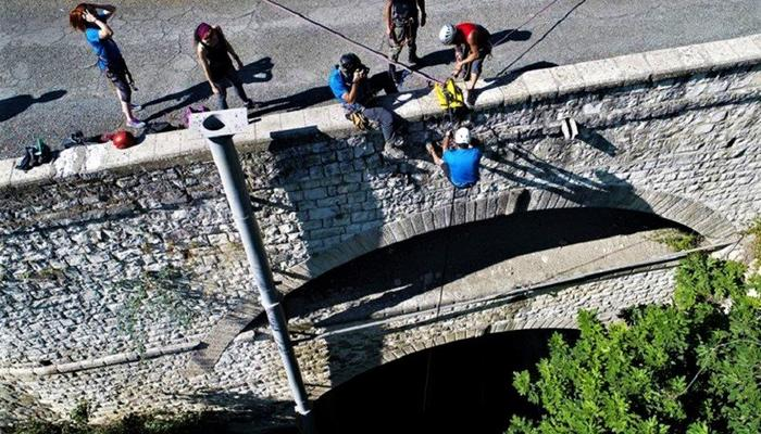 PHOTOS: They enjoyed the only double bridge in Cyprus, hanging on ropes!