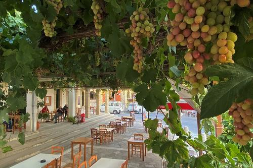 Agora Tavern: Traditional cuisine in the heart of a picturesque village!