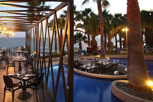 Kohili Surf & Turf: A Limassol restaurant where dinner is served right above the water!