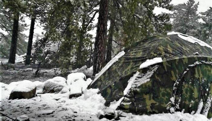 PHOTOS: These guys dared to camp on snow in Troodos!
