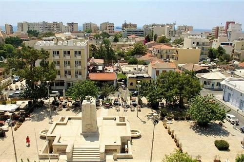 Heroes Square: The actual square where cultures and history meet