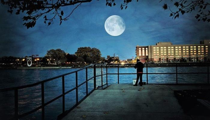 7 events in Limassol, for the most special full moon of the year!