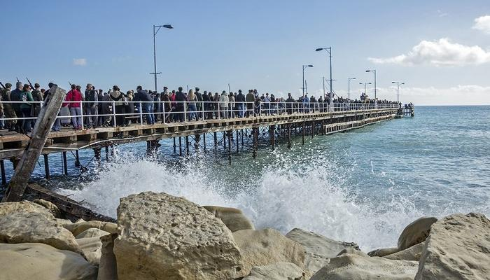 Men and women will dive in the Limassol winter sea on the ceremony of the Epiphany