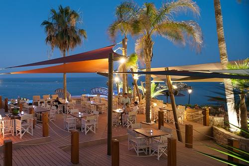 Lighthouse Bar & Lounge - Amathus Beach Hotel