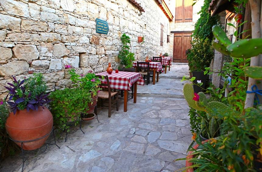 Lofou Tavern: A tavern in a picturesque Limassol village with 20+ years of tradition!