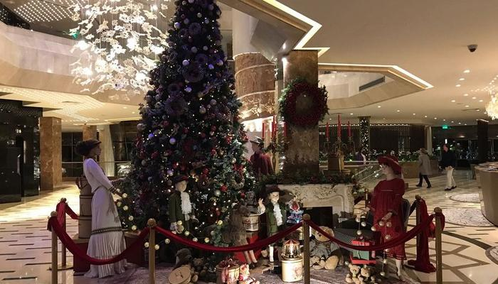 PHOTOS: Spectacular Christmas at the Four Seasons hotel in Limassol!