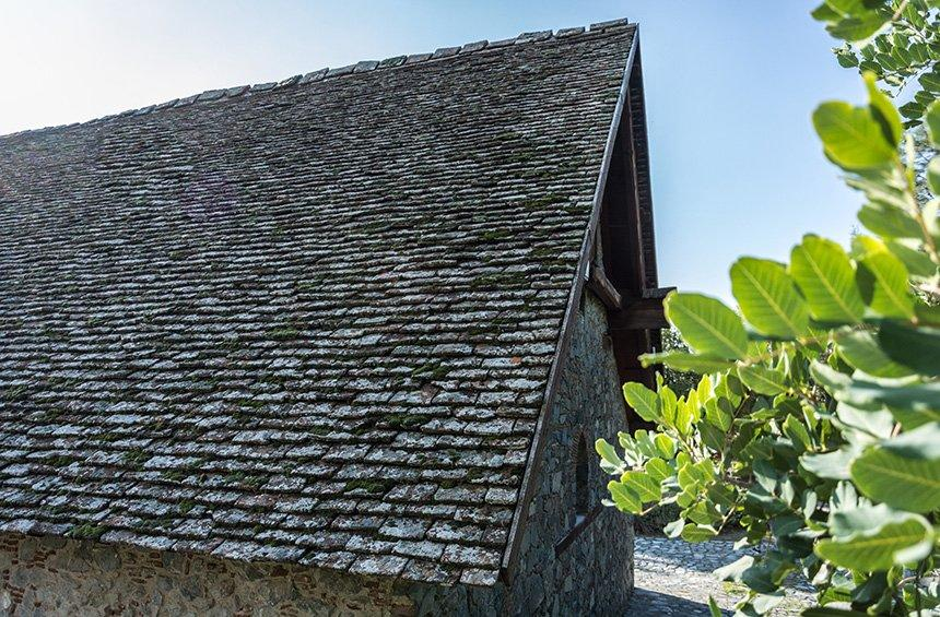 The roof retains its original tiling.