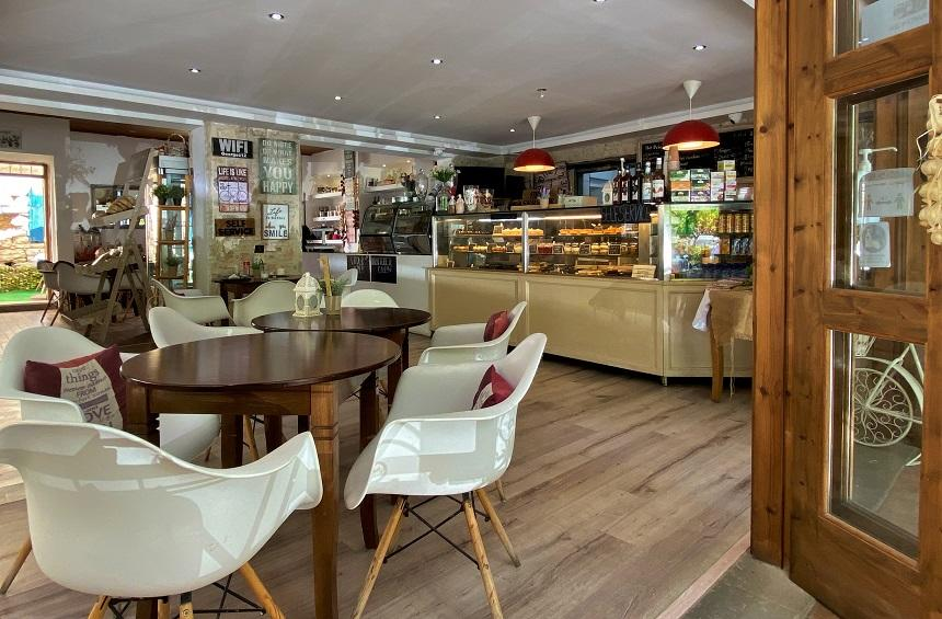 George's Daughter & Son: A café with wonderful pastries welcomes you to Omodos!