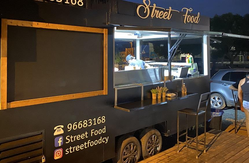 OPENING: A new truck in Limassol that makes amazing, juicy burgers!