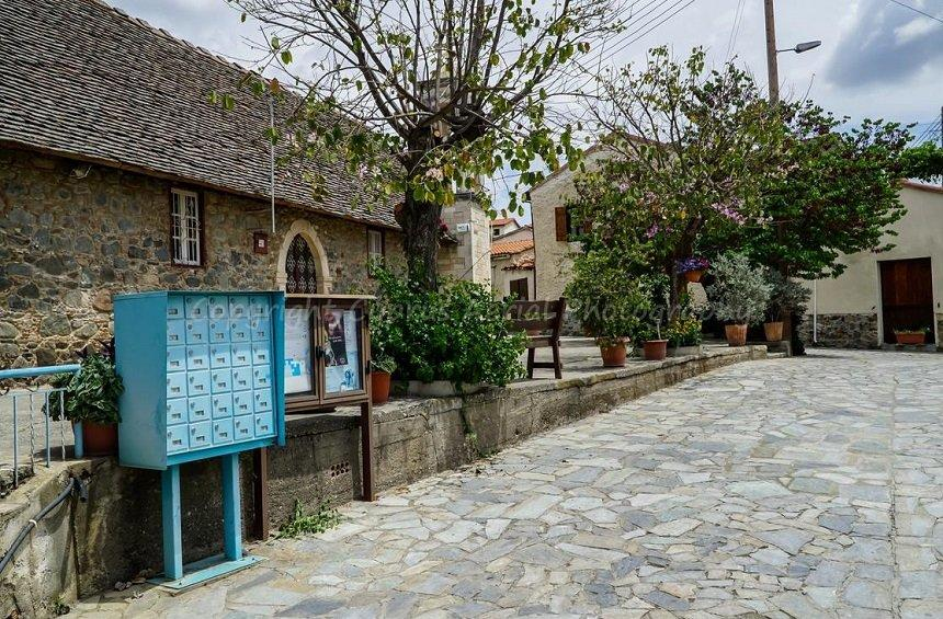 Akapnou: The charm of a Limassol village with population smaller than that of a school classroom!