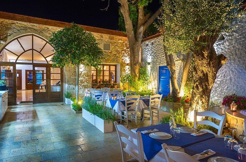 Avli tou Vasilea: Greek cuisine within an idyllic setting in the center of Limassol!