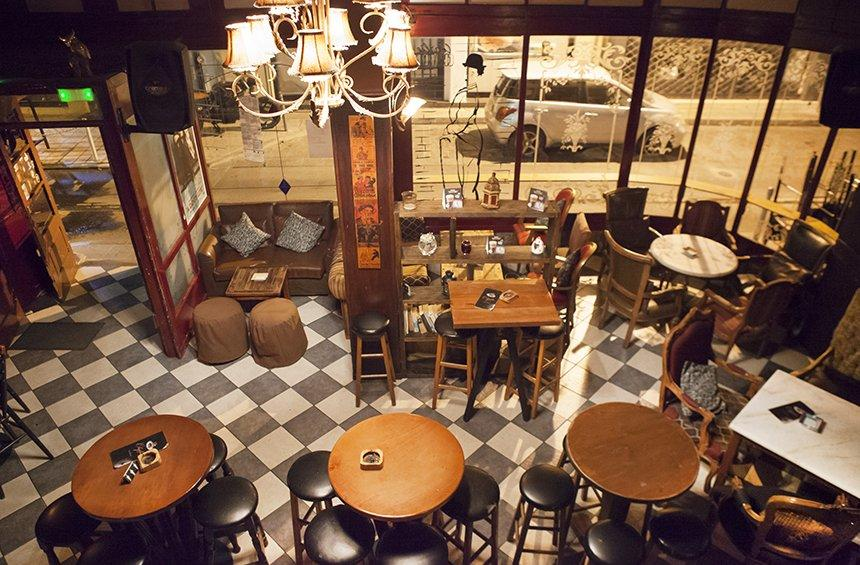Chaplin's Bar: The vintage bar that brought friends together and left its mark on Limassol!
