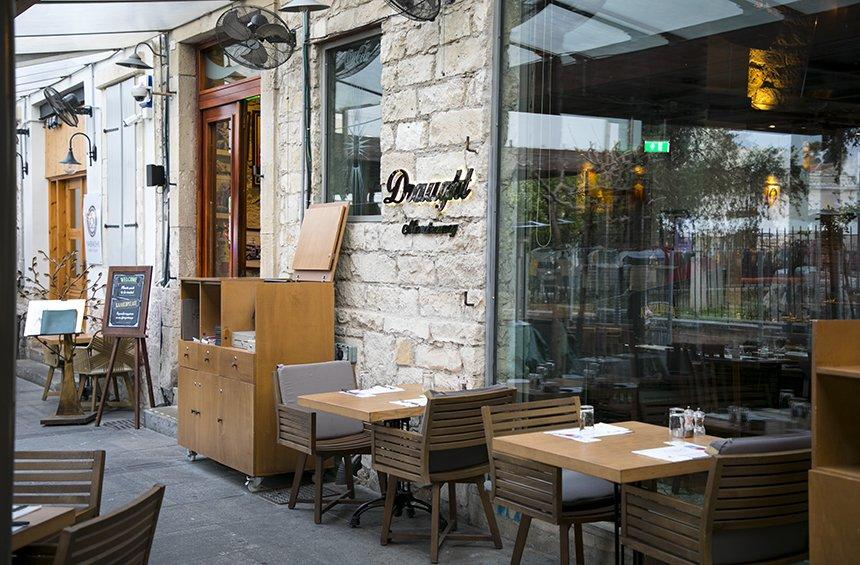 Draught Microbrewery: The restaurant in the heart of Limassol that even makes its own beer!