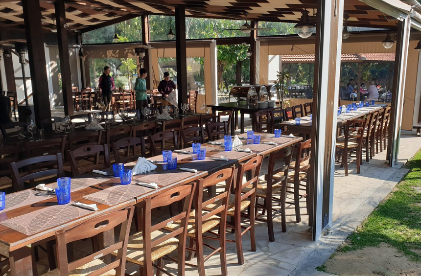 'Agios Ermogenis' Tavern: A tavern with a large garden and playground, just outside of Limassol!