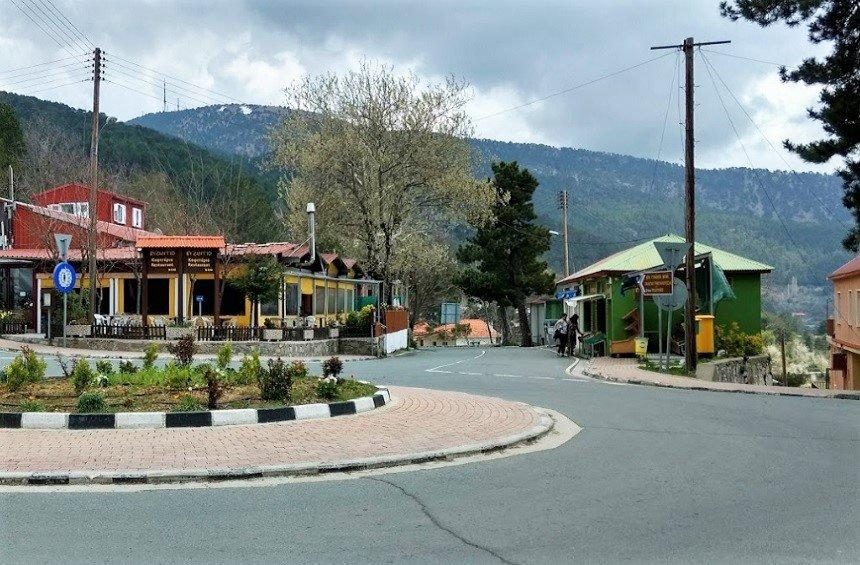 Byzantio Restaurant: A popular stopover in the mountains featuring hearty, Cypriot cuisine!