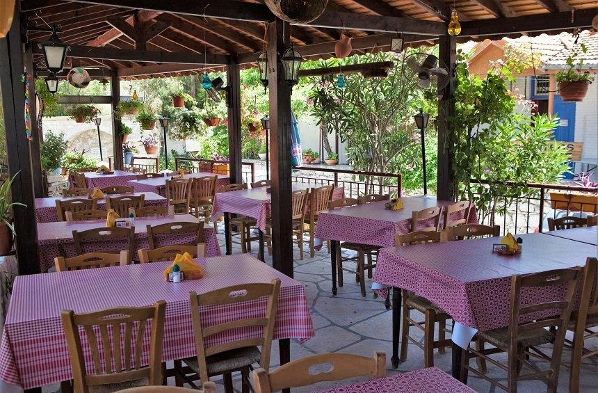 Lania tavern: A picturesque tavern with 30+ years of tradition in the Limassol countryside!