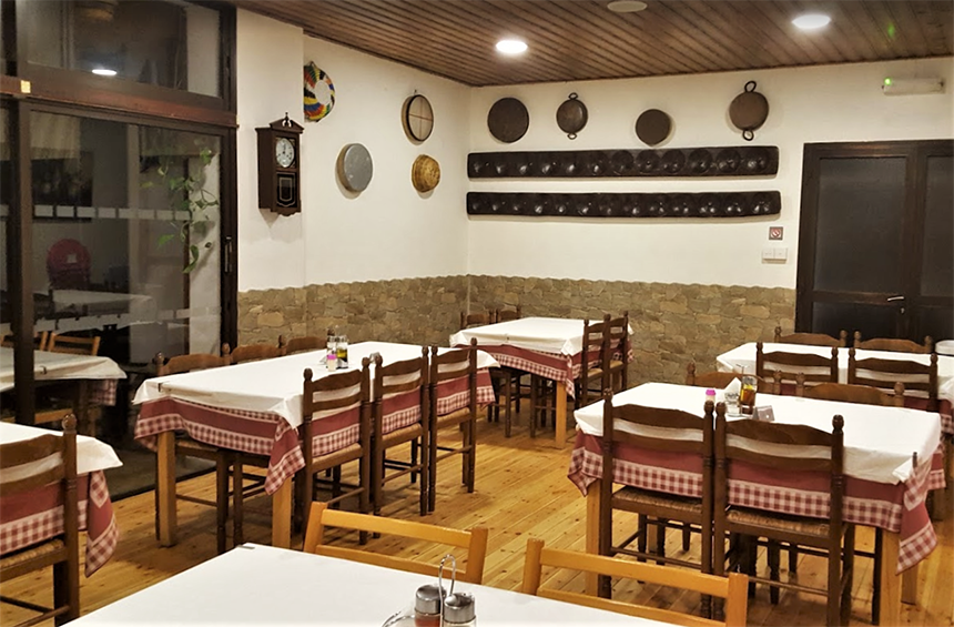 Polydentri Tavern: A warm space that is a representative of the traditions of an evergreen Limassol village!